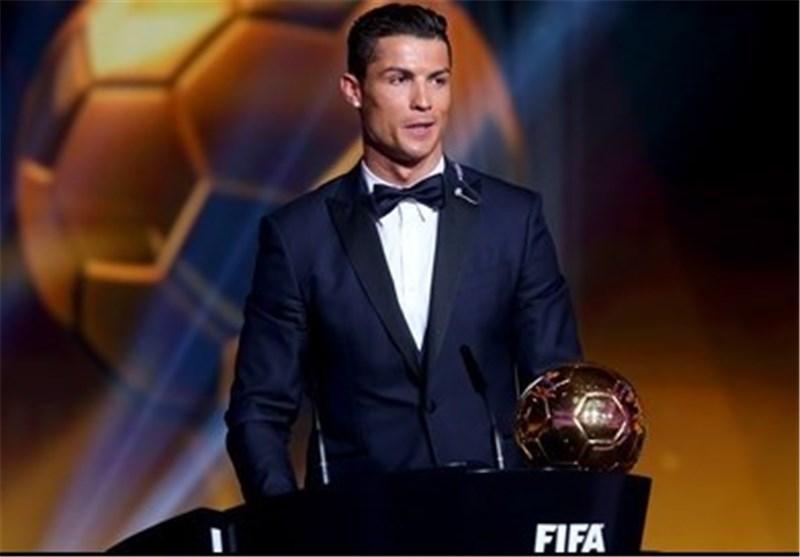 رونالدو یحصل على جائزة أفضل لاعب فی العالم لعام 2014