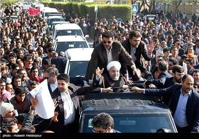 روحانی یزور مدینة بوشهر