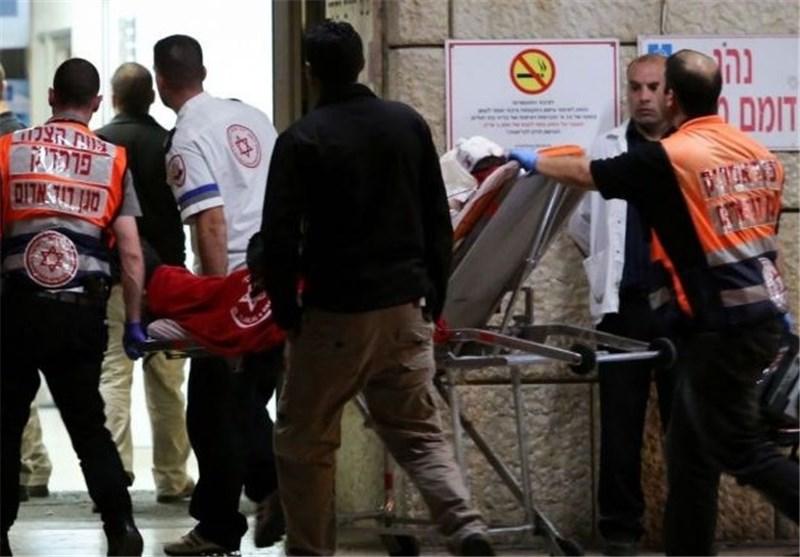 طعن صهیونی على ید مجهولین وسط الاراضی المحتلة