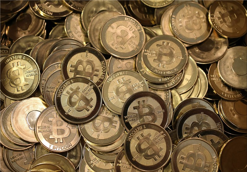 نماینده مجلس: دولت لایحه تعیین تکلیف ارز دیجیتال را به مجلس ارائه دهد