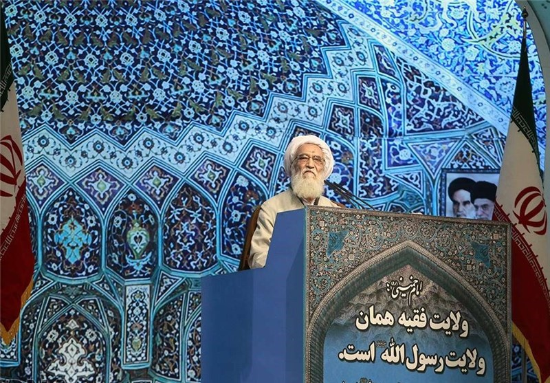 خطیب الجمعة فی طهران: ابناء الشعب ملتزمون بمبادىء الثورة الاسلامیة