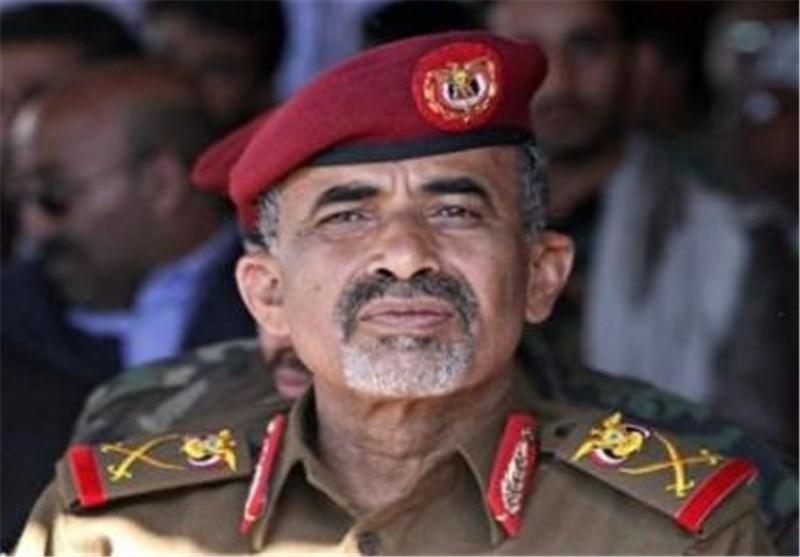 Yemeni Defense Minister Escapes Sana'a to Aden