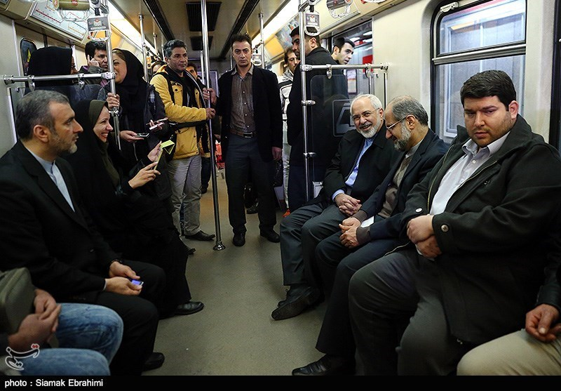 Iran's FM Goes to Work Using Subway Train in Clean Air Day