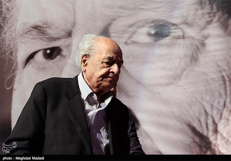 Renowned Iranian Poet Laid to Rest in Tehran