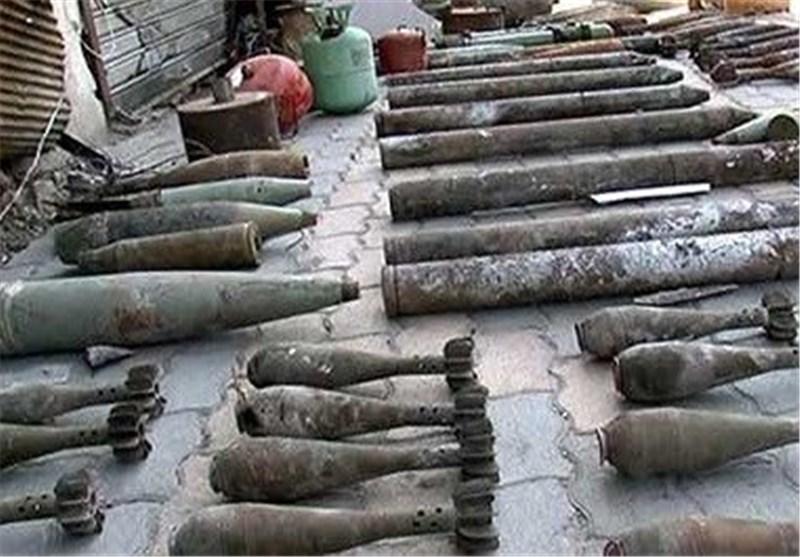 الجیش السوری یضبط مستودع أسلحة وذخیرة وعبوات ناسفة فی منطقة غرب المشتل بحماة
