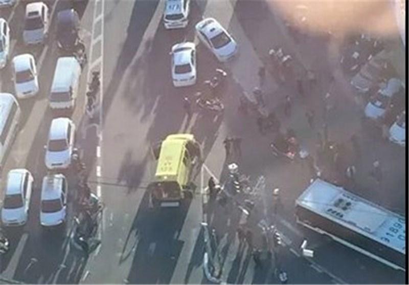 اصابة 10 صهاینة فی عملیة طعن داخل حافلة بتل أبیب + صور