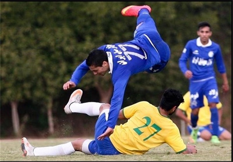 Esteghlal's Helmke Sidelined for Six Weeks
