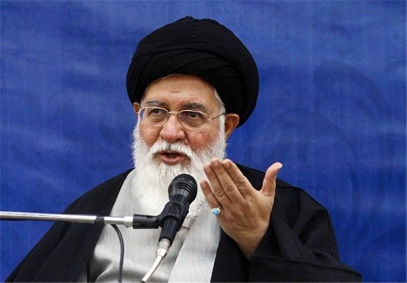 امام جمعه مشهد: استکبارستیزی فقط مرگ بر آمریکا گفتن نیست؛ نباید بهخاطر ناراحت شدن برخی وظیفه انقلابی را معطل کرد