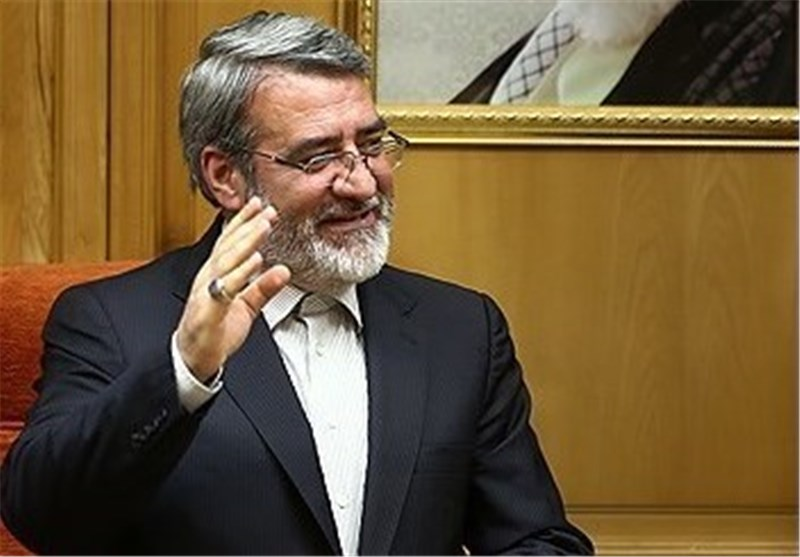 Iranian Minister Urges Int'l Support for Return of Afghan Refugees
