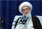 آیتالله نوریهمدانی: دانشگاه آزاد باید از اساتید معتقد به اصل اصول اسلامی استفاده کند