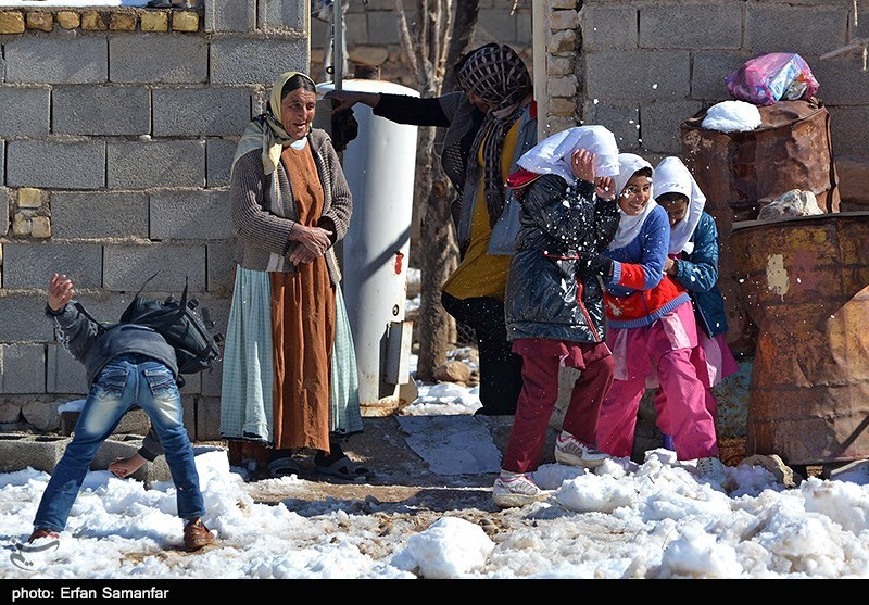 بارش نخستین برف زمستانی در منطقه تنگ بوان (بهشت اربعه) - فارس