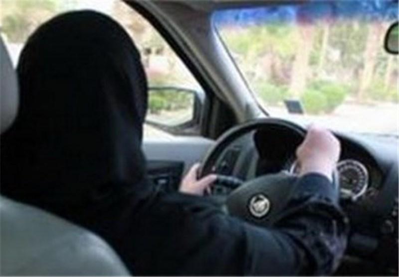 """المرأة السعودیة تقود سیارتها فی الشوارع عقب وفاة """"عبدالله بن عبدالعزیز"""""""