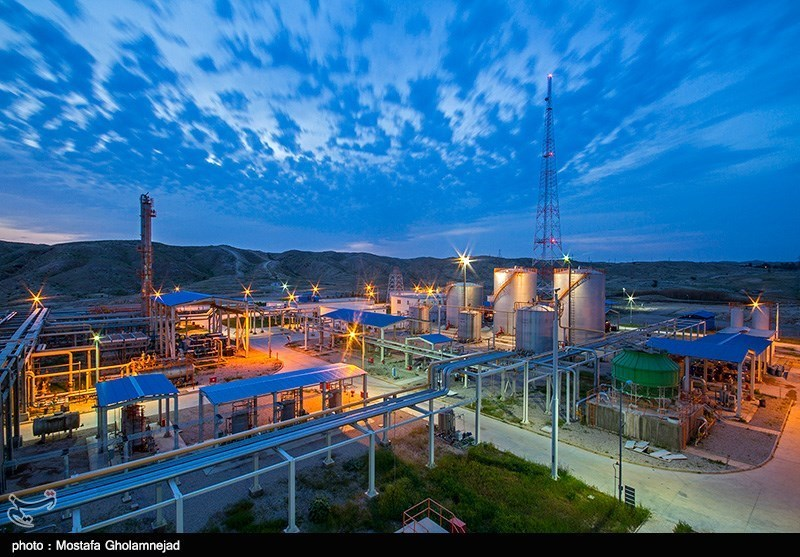Official Raises Possibility of Discovering New Major Oil Field in SW Iran