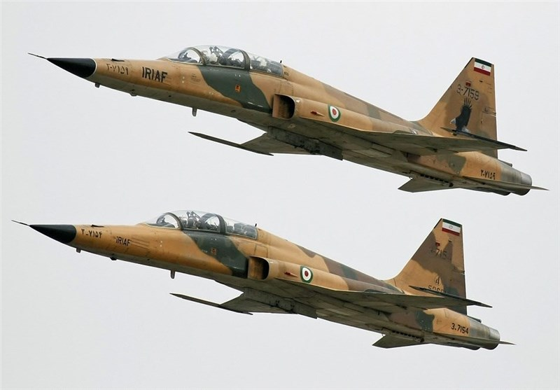 Iran Develops Training Plan for Overhaul of F-7 Fighter Jets