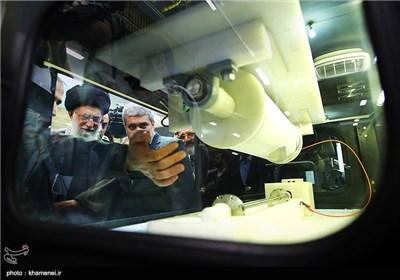 Supreme Leader Visits Iran's Nanotechnology Exhibition