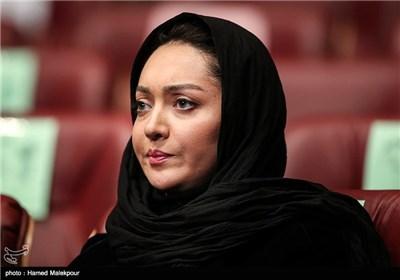 نیکی کریمی در مراسم افتتاحیه سی و سومین جشنواره بینالمللی فیلم فجر