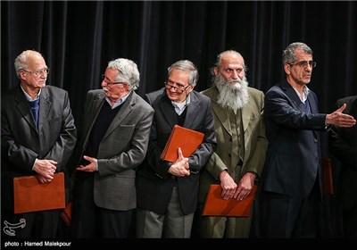 بزرگداشت لابراتوارهای سینمای ایران در مراسم افتتاحیه سی و سومین جشنواره بینالمللی فیلم فجر