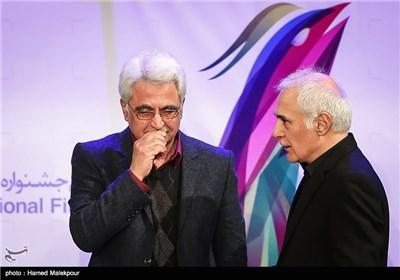 محمود کلاری و حسین جعفریان در مراسم افتتاحیه سی و سومین جشنواره بینالمللی فیلم فجر