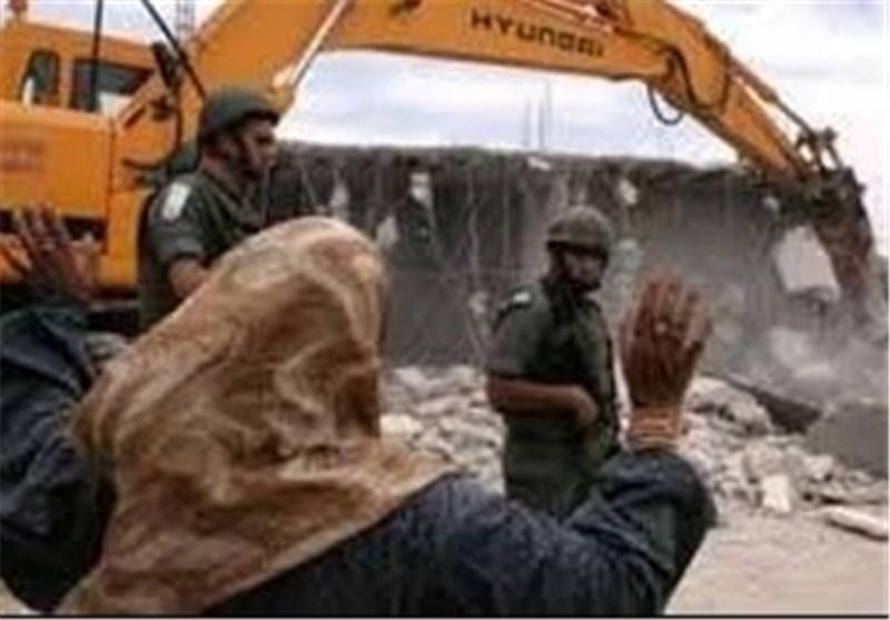 إصابة جندیین صهیونیین خلال اشتباک مع شبان فلسطینیین فی مخیم قلندیا