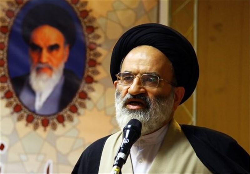 استکبار جهانی به دنبال نفوذ به نظام مقدس جمهوری اسلامی ایران است