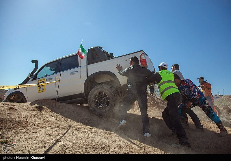Iran's first Fajr Off-road Competitions - IN PHOTOS