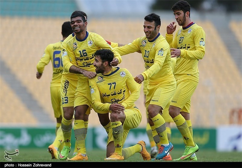 Naft Tehran Back on IPL Top, Persepolis Loses