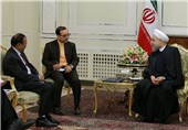 Iranian President Urges Closer Ties with India