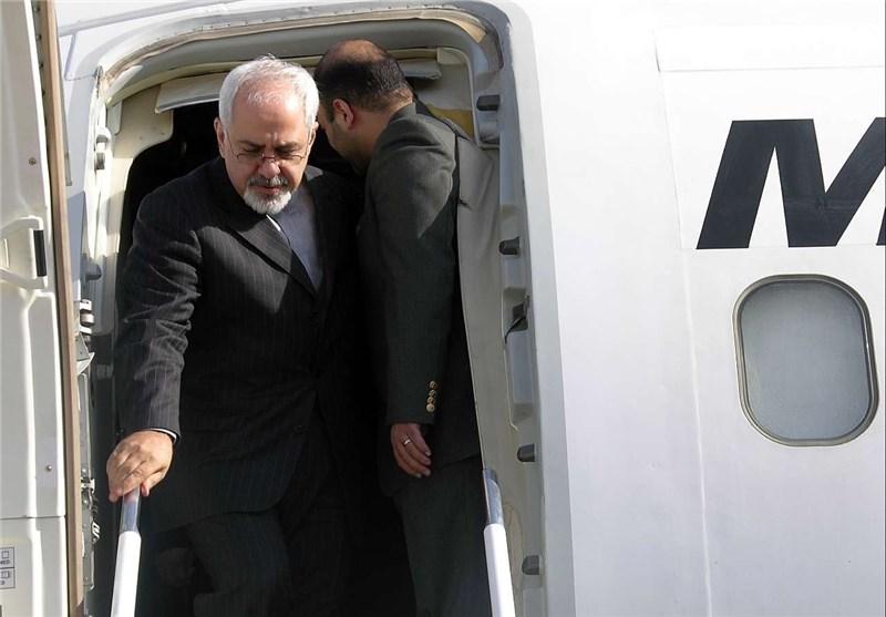 وزیر الخارجیة یصل مطار مدینة النجف الاشرف