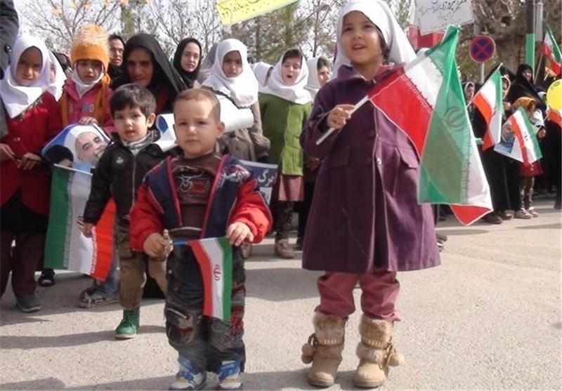 شور و شعور مردم استان سمنان در جشن پیروزی انقلاب+تصاویر