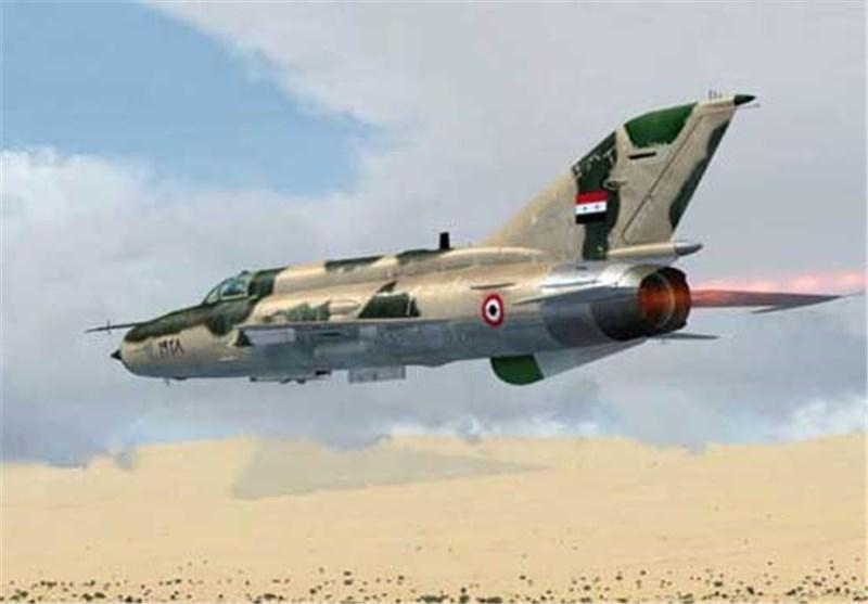 سلاح الجو السوری یشنّ غارات مکثفة على مواقع الإرهابیین ویوقع أکثر من 100 قتیل فی حلب وإدلب