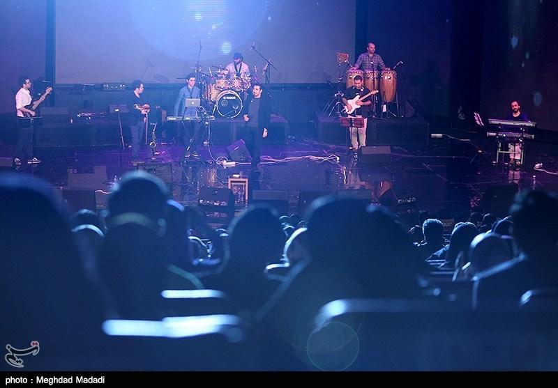 کنسرت احسان خواجه امیری در سی امین جشنواره موسیقی فجر