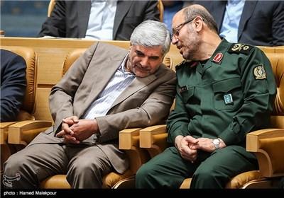 سردار حسین دهقان وزیر دفاع و محمد فرهادی وزیر علوم در مراسم بزرگداشت روز فناوری فضایی