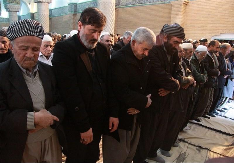 نماز وحدتبخش عید فطر در شهرها و روستاهای استان کردستان اقامه شد