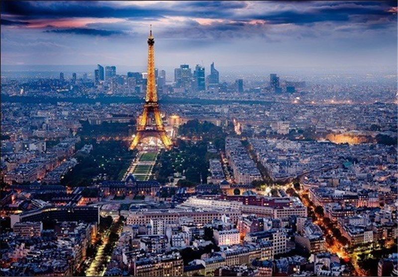 فرنسا قد تحرم من 100 ألف سائح سنویا