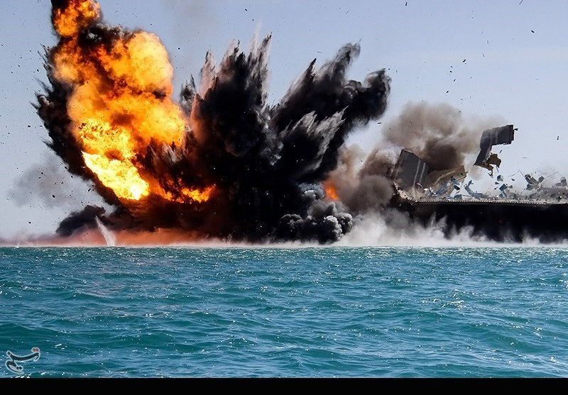 Iranian naval drills attended by host of offiicals - IN PHOTOS