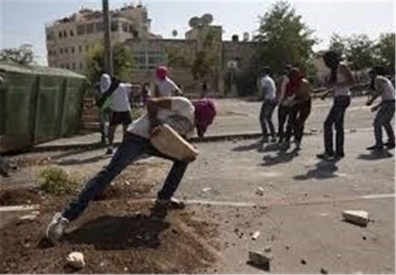 تظاهرات وصدامات فی الخلیل بین فلسطینیین وجنود الاحتلال الصهیونی