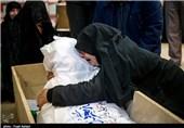 دیدار مادر «شهید معروفوند» با فرزند 15 ساله پس از 31 سال