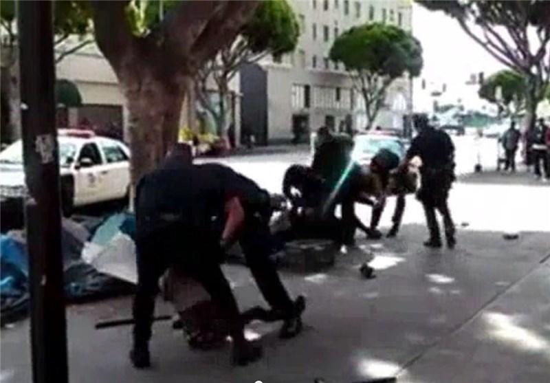 LA Police Fatally Shot Man in Struggle over Officer's Gun