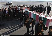 پیکرهای پاک 46 شهید دوران دفاع مقدس از مرز مهران وارد کشور شد