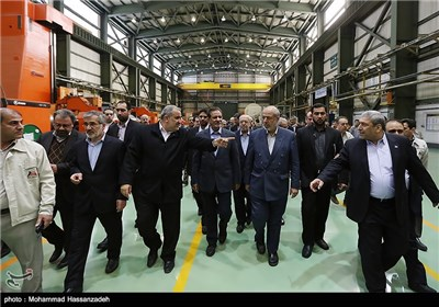 Iran's VP Unveils New Products in MAPNA Group Companies