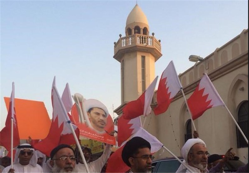 Iran Only Supports Bahraini People's Right to Vote: Analyst