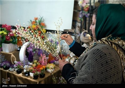 Photos: Iranian People Preparing for New Year