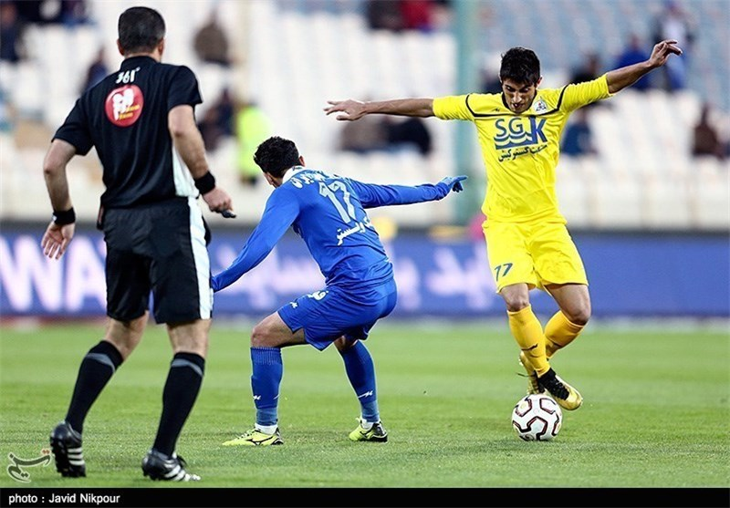 Naft Stays Top of Iran Professional League