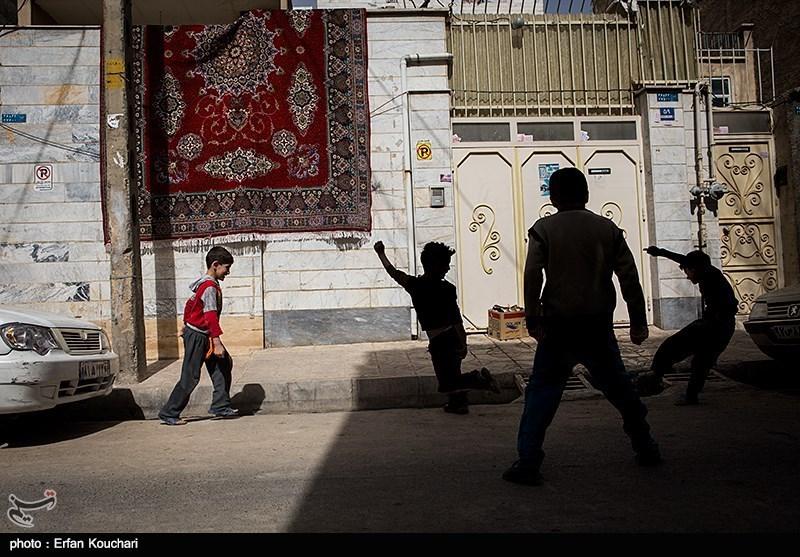 Persian carpet on walls - IN PHOTOS