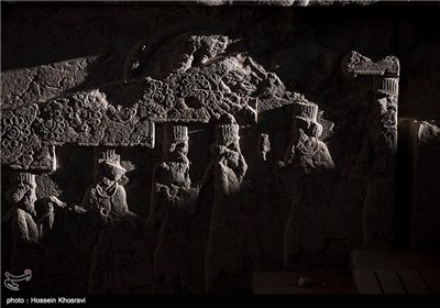 حمله گلسنگ ها به سربازهای هخامنشی تخت جمشید - شیراز
