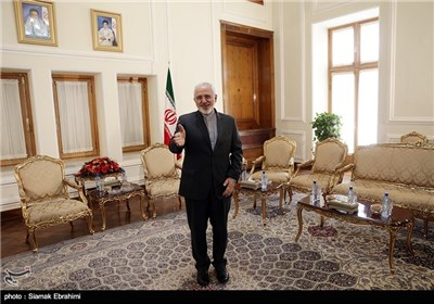 3 New Ambassadors Submit Credentials to Iran's Foreign Minister