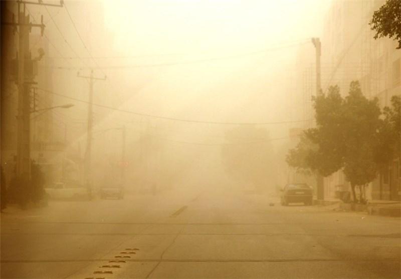 زاهدان| محور فهرج-زاهدان به دلیل طوفان شن مسدود شد