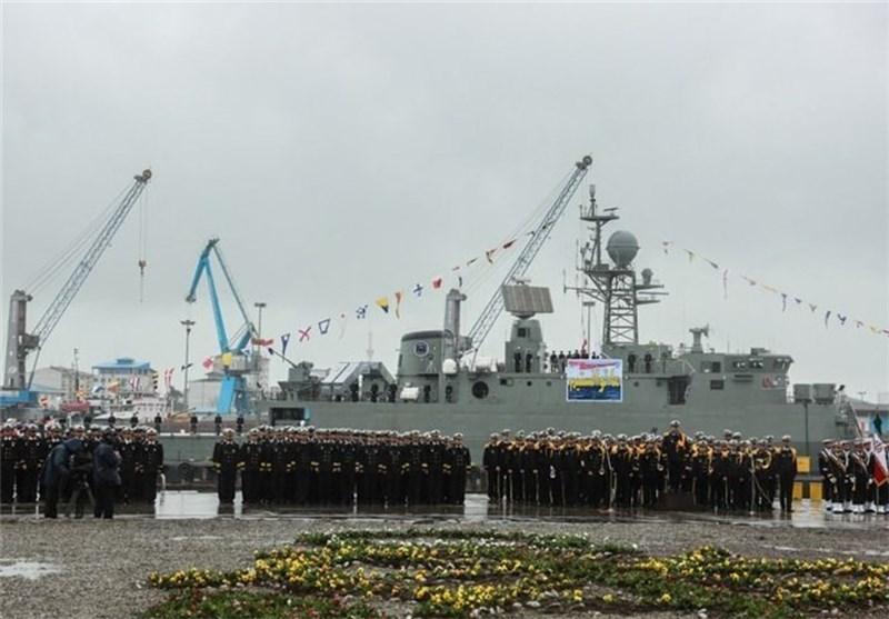 المدمرة المتطورة «دماوند» تنضم رسمیا الى سلاح البحر