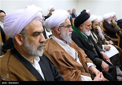 Imam Khamenei meets members of the Assembly of Experts