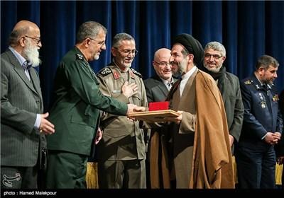تقدیر از حجتالاسلام محمدحسن ابوترابی فرد نایب رئیس مجلس در همایش تجلیل از جهادگران عرصه فرهنگ ، هنر و رسانه